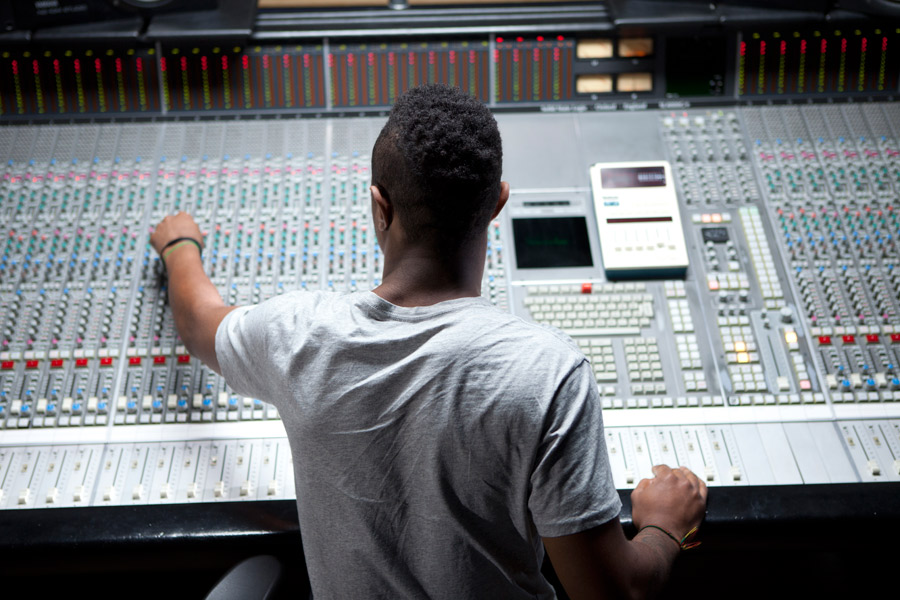 The Difference between an Sound System Operator and Designer